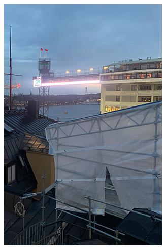 Väderskydd för utbyggnad av skorsten. Katarinahissen i bakgrunden